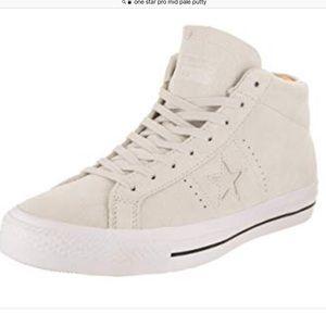Converse Unisex One Star Pro Mid Skate Shoe